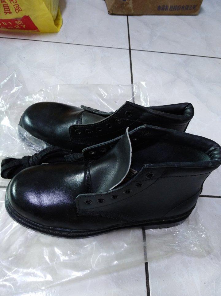 售擎天崗(威力剛)安全鞋 ─ 最後特優降價─過年再降