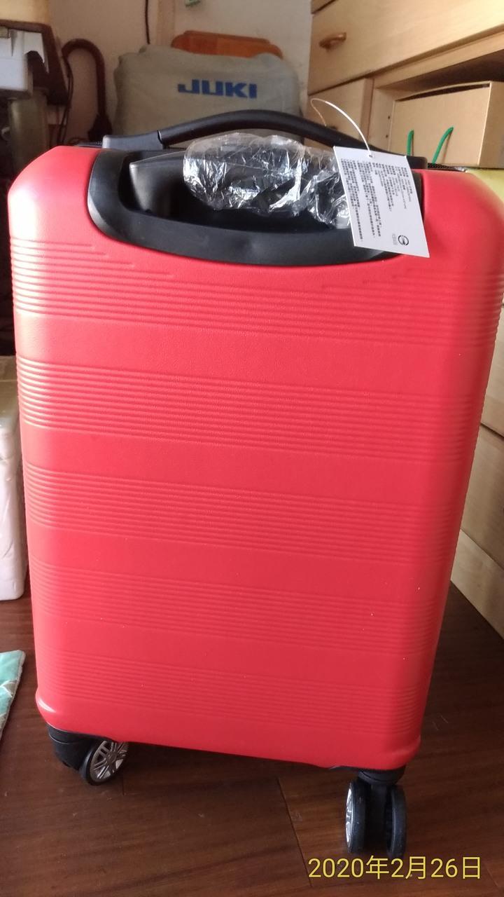 全新 DISEGNO 20吋行李箱紅色