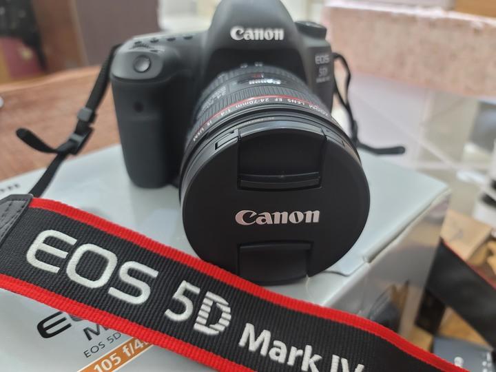 Canon 5D4 含鏡頭2顆+全新閃光燈