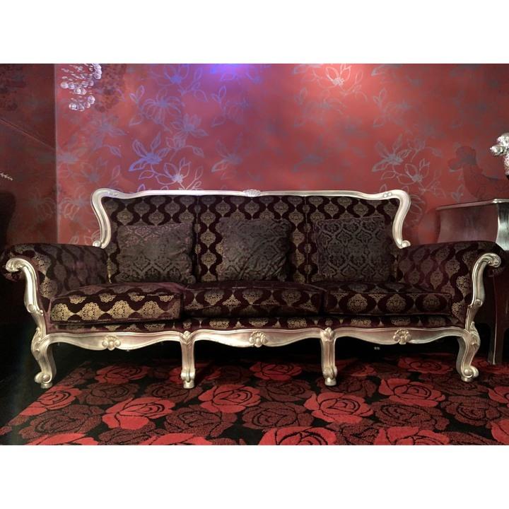 [0046] 歐式豪華三人座沙發
