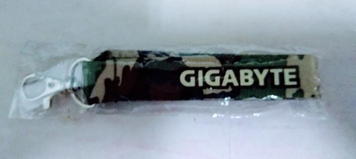 (全新) Gigabyte 技嘉科技 迷彩 (軍事偽裝) 相機帶 手機帶 識別證帶 鑰匙圈