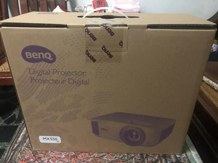 BenQ MX550 投影機